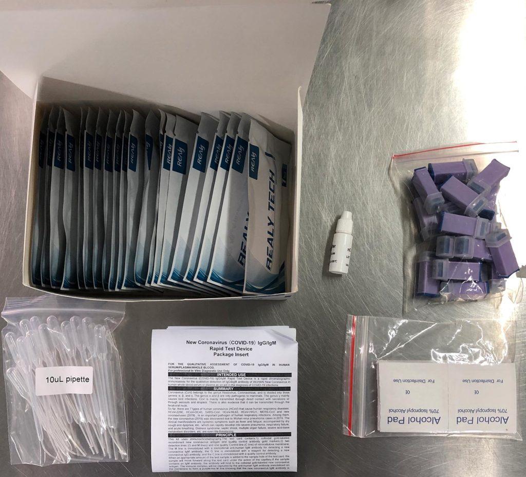 Acessórios do kit COVID-19 IgG IgM Realy Tech com sensibilidade clínica de 97,5%